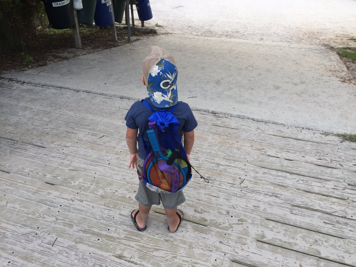 @Cubs_Fanpage lil dude coming off the Beach in his tropical