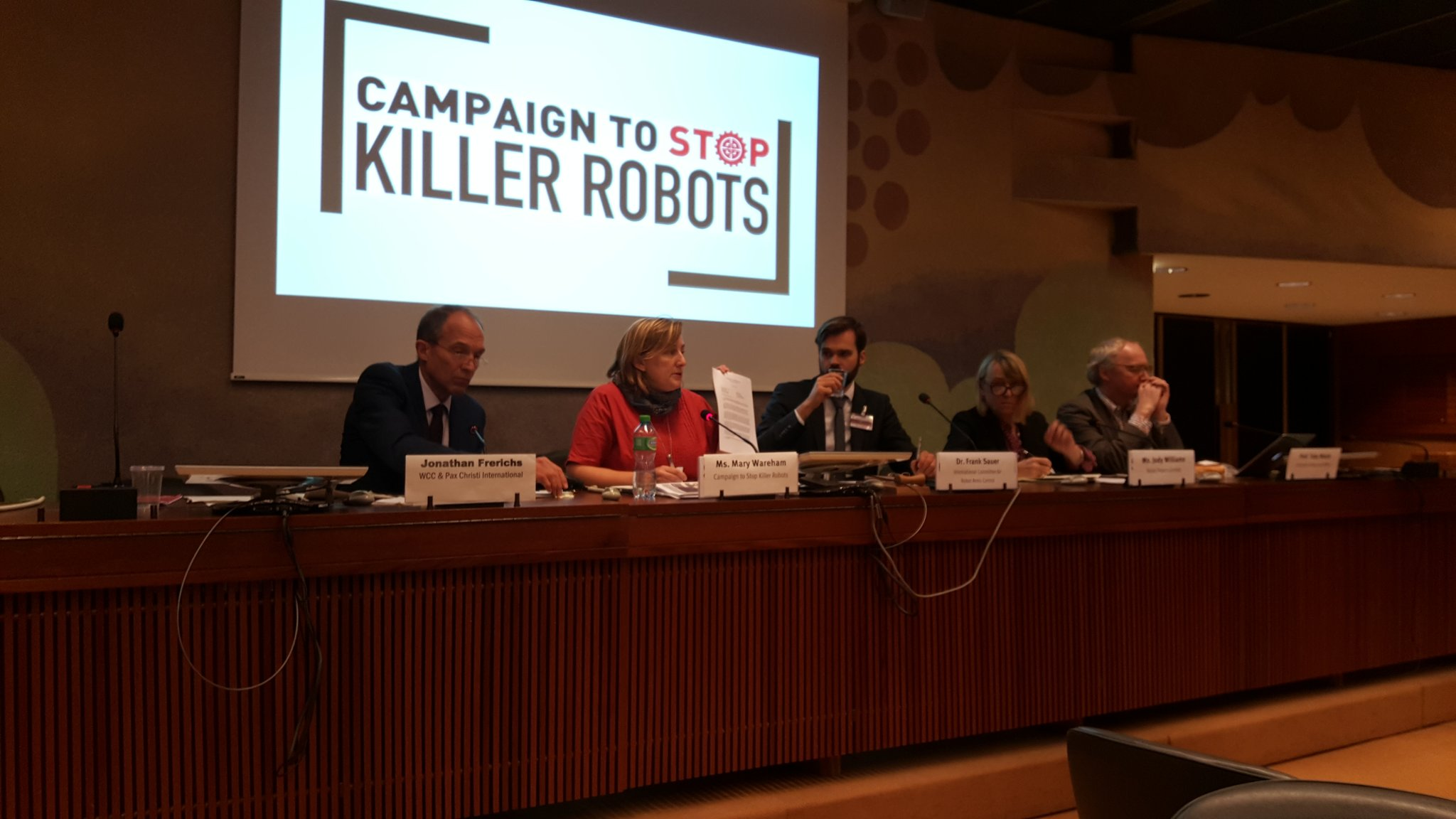 . @marywareham shares congressional letter recently released in support of prohibition of autonomous weapons #CCWUN https://t.co/h1NhYSqAuX