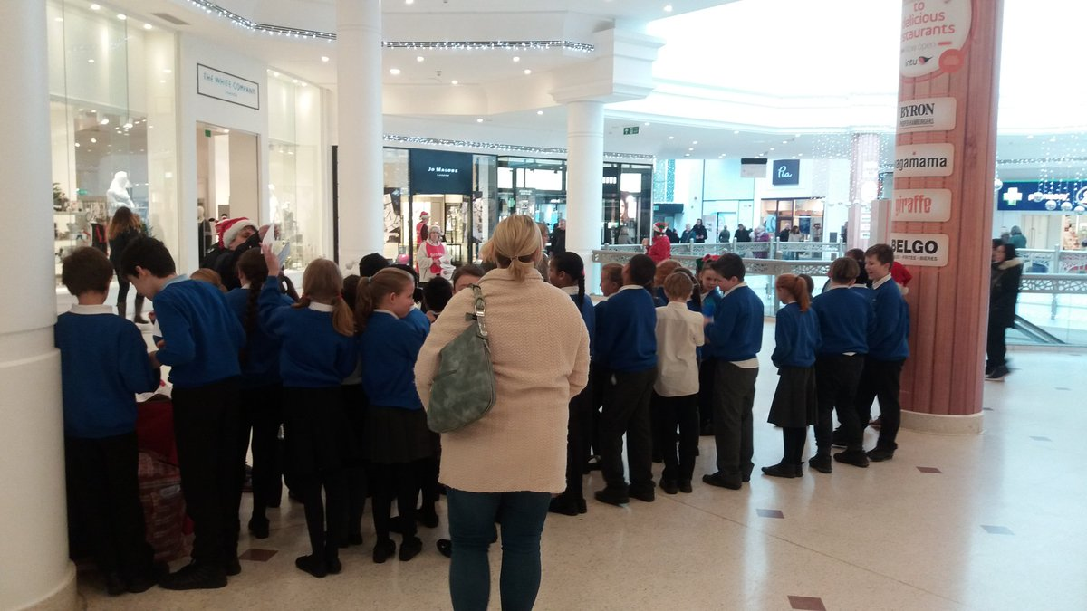 @PoverestPrimary are singing beautifully @intuBromley for us today #beckbromfl #bromley https://t.co/ikPMOKlSkO