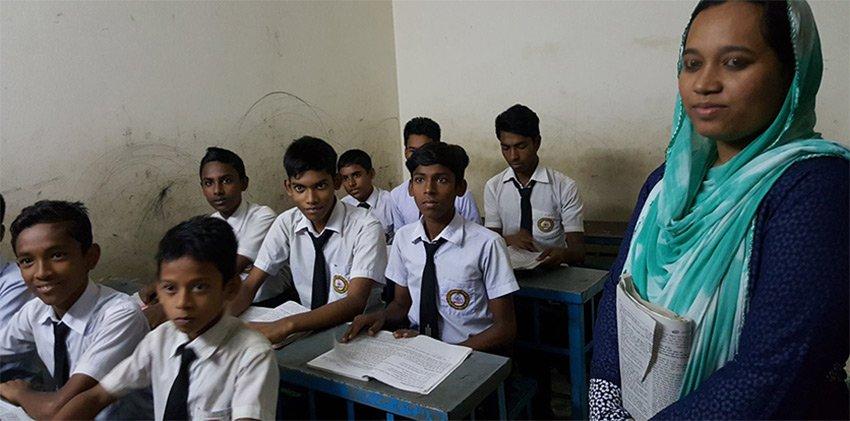 Über 1200 Schüler lernen in unserer Slumschule in #dhaka , die wir gemeinsam mit den Austrian Doctors betreiben: https://t.co/4PGPrbE21s https://t.co/rmeQmngxy6