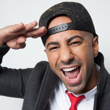 So excited to announce that @fouseyTUBE will be coming to #VidConEU this April! https://t.co/fUW4mcnbzC