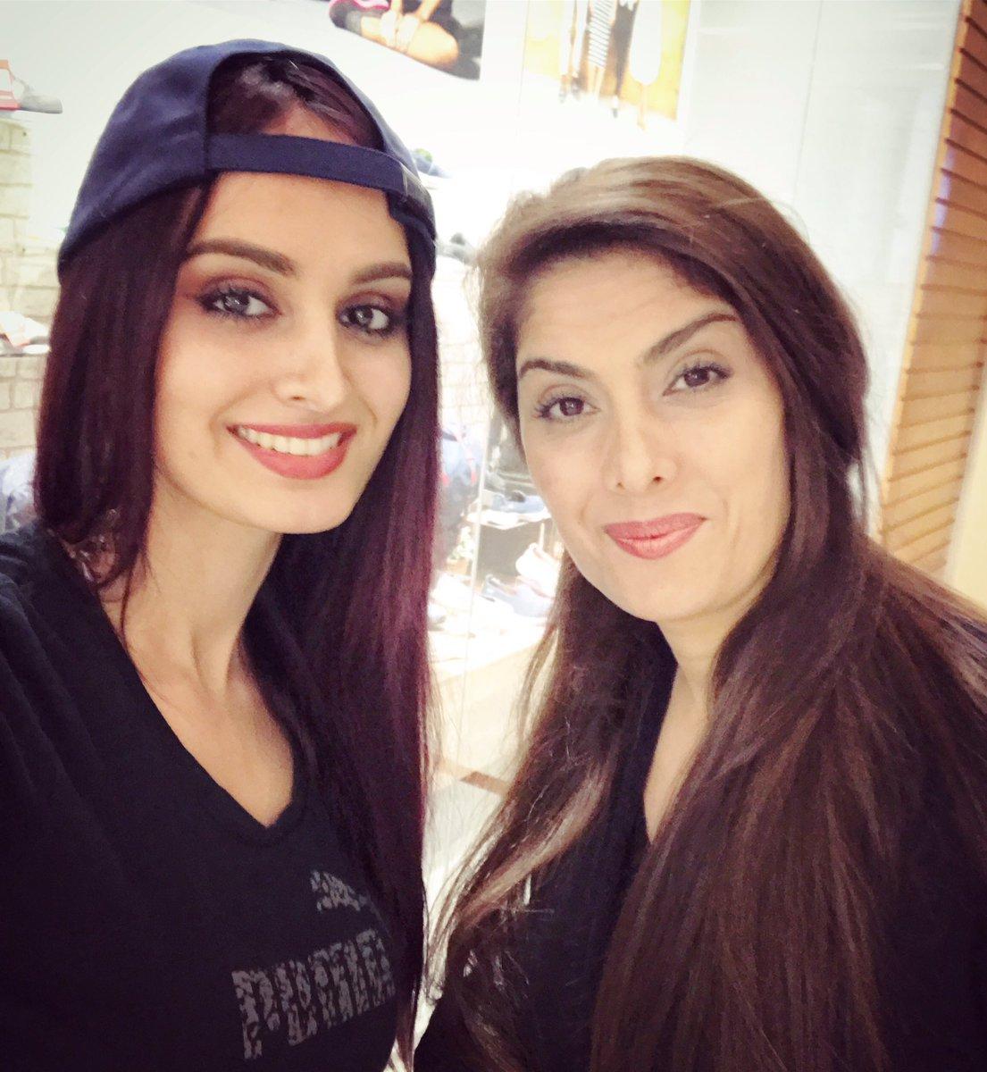 Foto på Lana Rose  & hennes Mamma  Nadereh Samimi