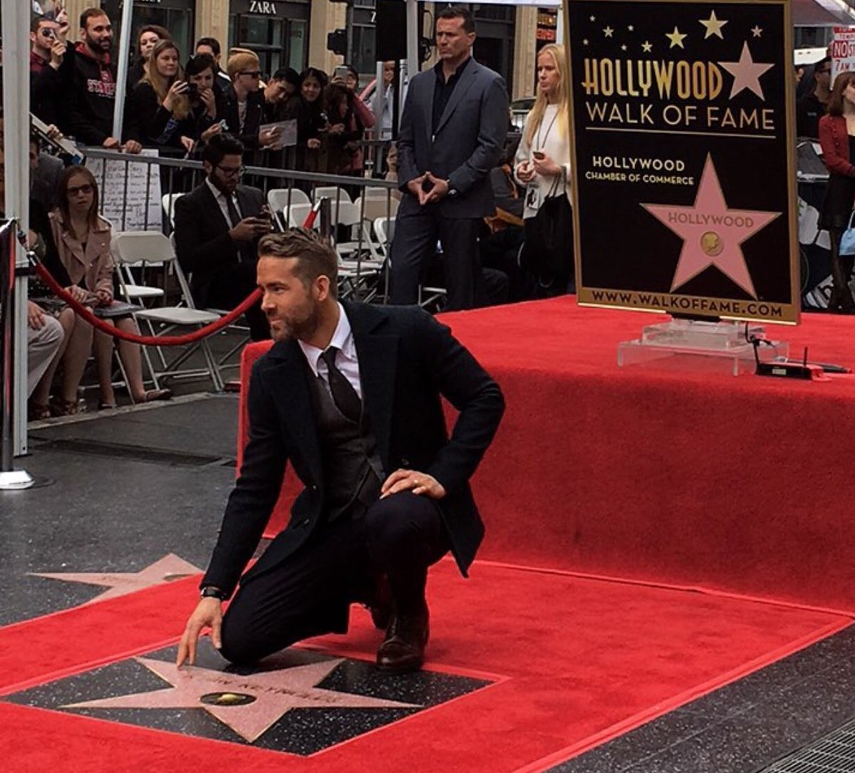 Hollywood And All That: Ryan Reynolds Gets A Star On The Hollywood Walk Of Fame