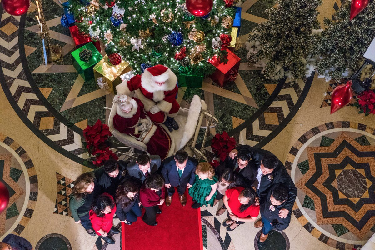 Mayor Eric Garcetti On Twitter Santa Paid A Special Visit To City