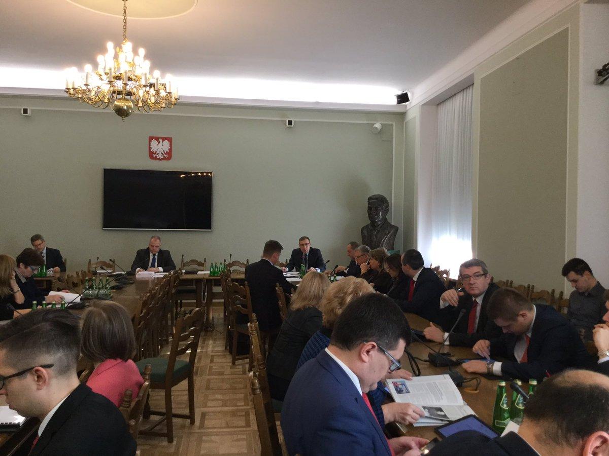 Kom. Finansów Publicznych pozytywnie zaopiniowała wniosek szefa @MSP_GOV_PL dot. zmian w finansach Funduszu Skarbu Państwa na 2016 r. https://t.co/y3XkHTGwuC