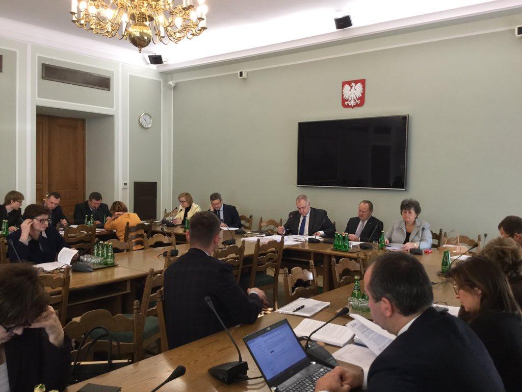 Zmiany w planie finansowym Funduszu Reprywatyzacyjnego na 2016 r, o które wnioskował @MSP_GOV_PL zaopiniowane pozytywnie przez Kom. Finansów https://t.co/ISUZ4YIRFq