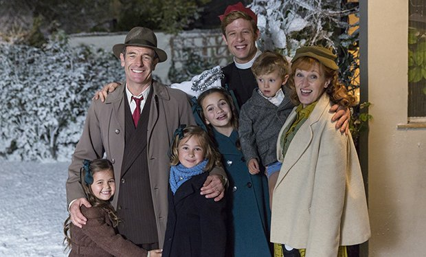 Grantchester, Christmas Special (saison 3) - Page 2 CzzEHA0XUAAvFjw