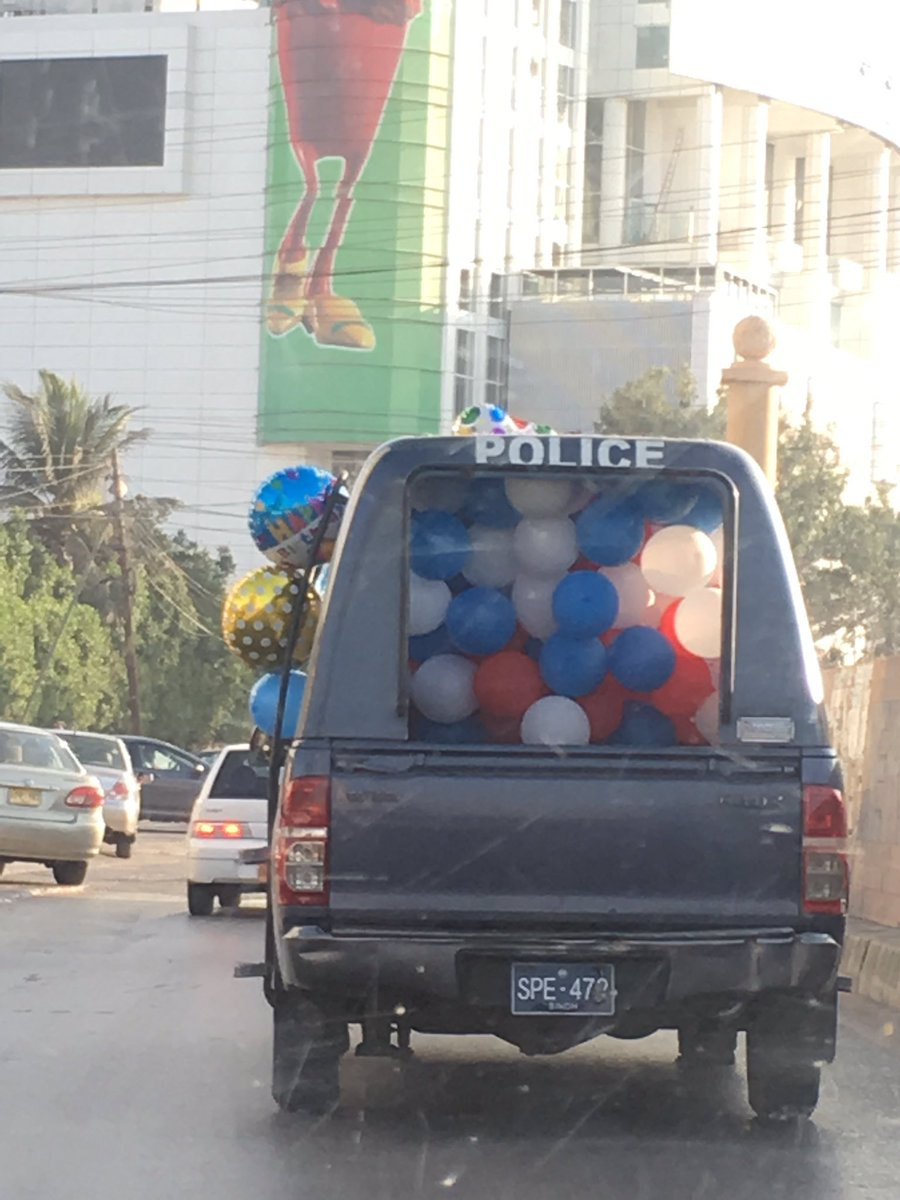 Our Police celebrating birthday ! #karachi #clifton https://t.co/sWiW84UBu8