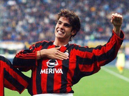 ��Io sarò un rossonero  E per il Milan canterò Combatterò Finchè vivrò! �� Buon compleanno @acmilan !! #HBDACMilan https://t.co/CqeSGFE7ll