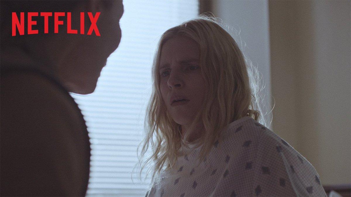 確かに娘だが... 私たちを初めて見たんだ。    Netflixオリジナルドラマ『The OA』本日より全8話ストリーミング中。 #ネトフリ