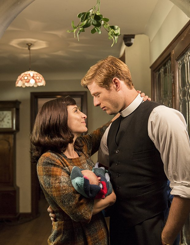 Grantchester, Christmas Special (saison 3) - Page 2 CzzY00VWQAA_n3b