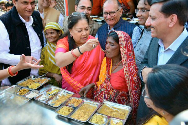 Breakfast for Rs 5, dinner Rs 8: Rajasthan govt launches 'Annapurna Rasoi'