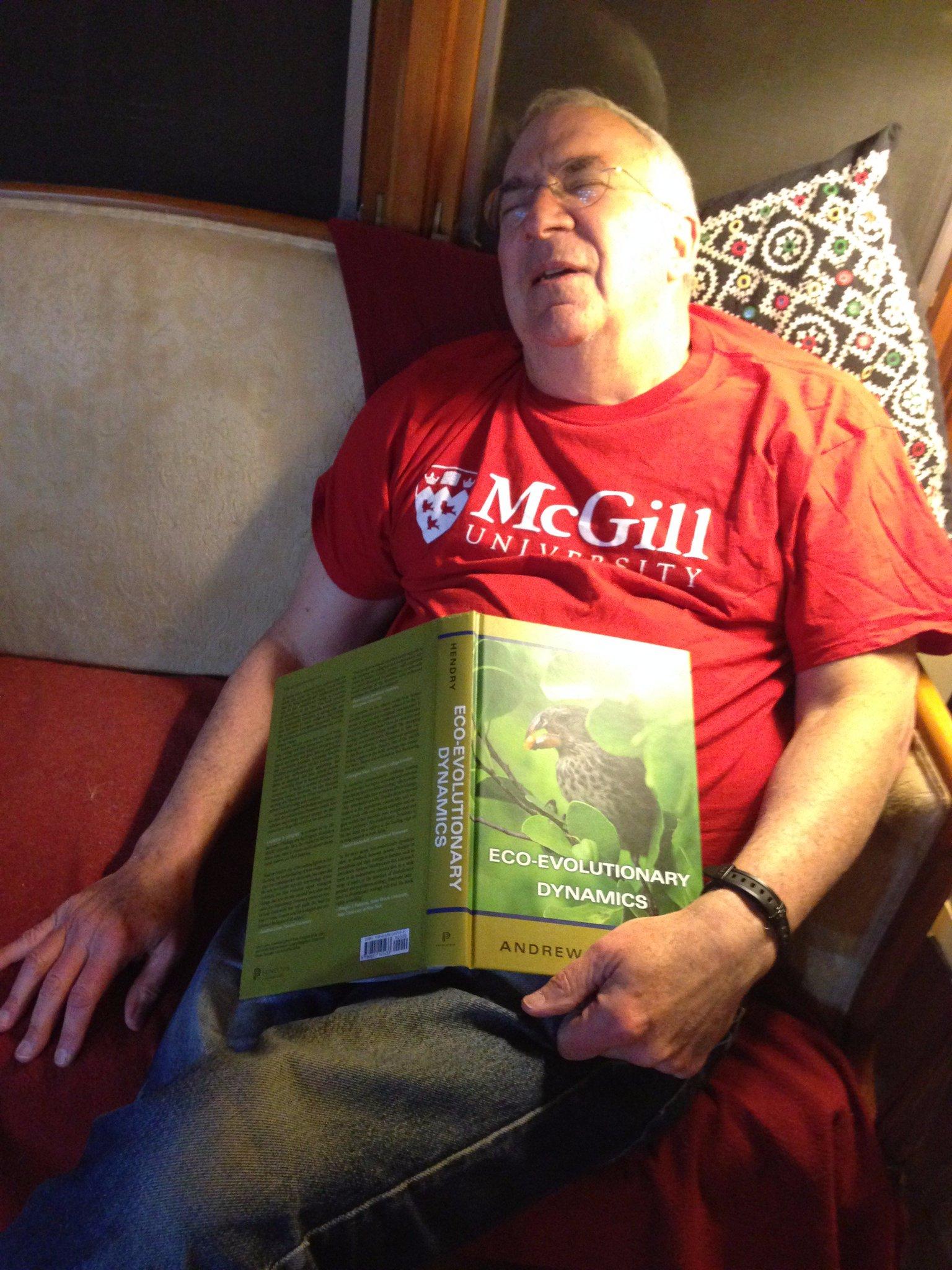 #PeopleWhoFellAsleepReadingMyBook Dan Simberloff - no, wait, maybe it's the @McGillU t-shirt not the book? @ASNAmNat @ESA_org @CSEE_SCEE https://t.co/ynYn1IXEVp