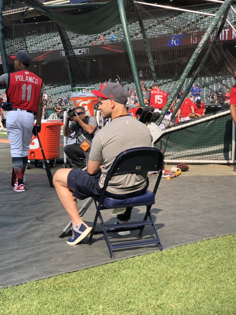 Nothing can stop Tommy La Stella from enjoying his first All-Star experience!   @Angels #HRDerby<br>http://pic.twitter.com/DTlqovvQwI