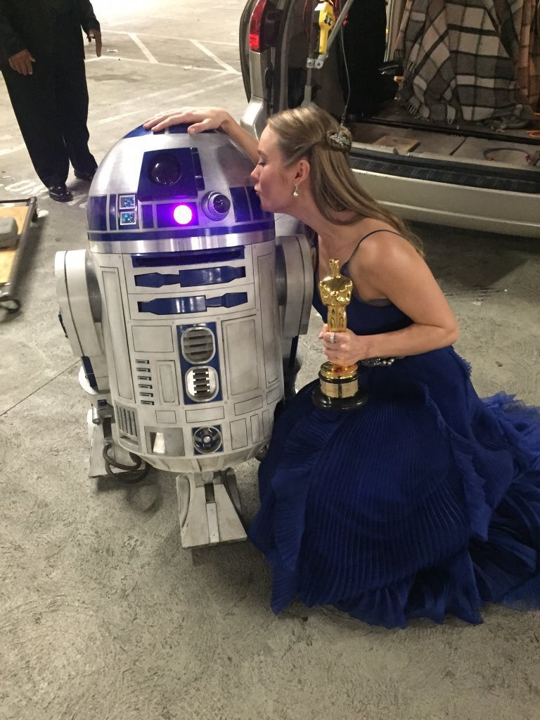 RT @AliaLink101: Brie Larson's love for Star Wars is so soft and pure. https://t.co/QueSvJJCQ2