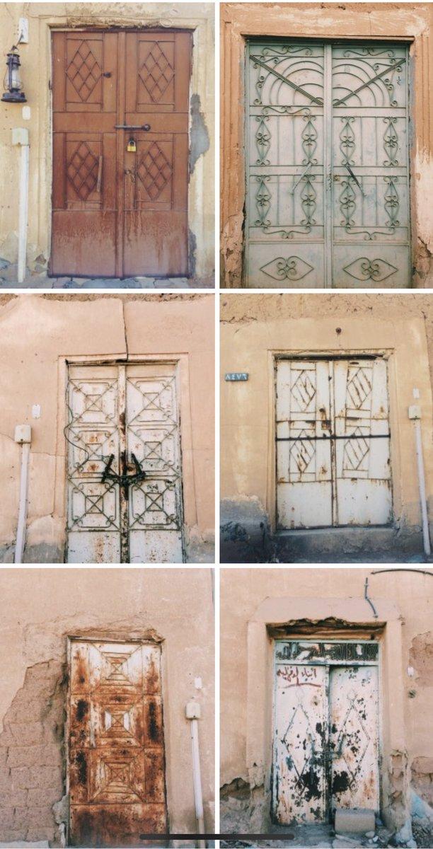 باب حديد قديم