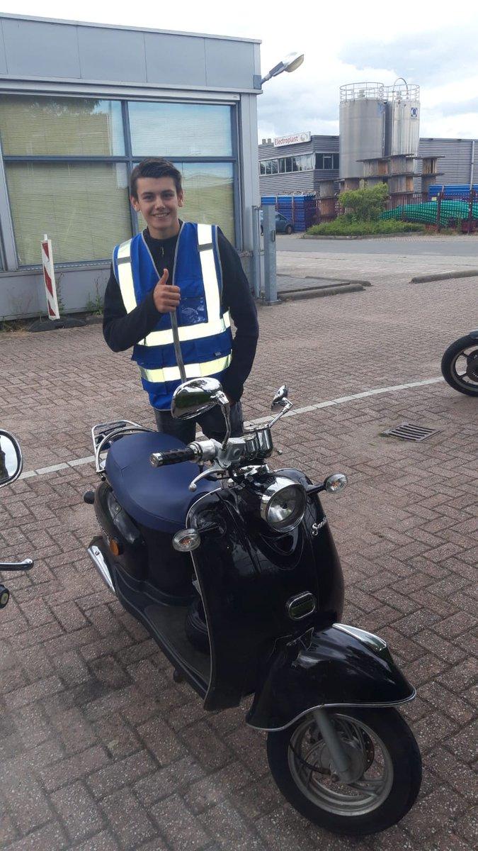 test Twitter Media - Alexander van Delft van harte gefeliciteerd met het in 1x behalen van je scooterrijbewijs! https://t.co/o8kcbIBYUx