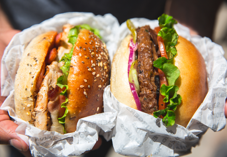 Do you prefer chicken or beef burgers? https://t.co/kqZ8mHVbMc