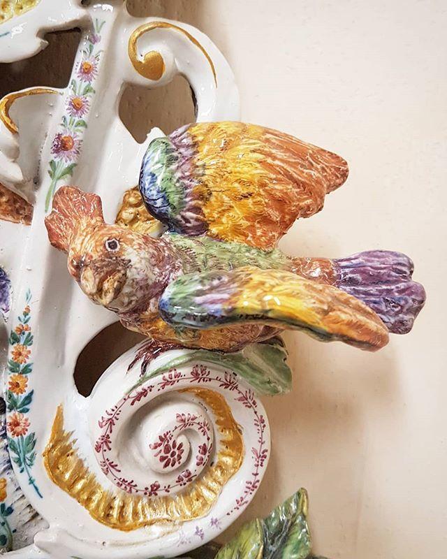 #parrot #ceramic #enamel #19centuryart #BassanoDelGrappa https://t.co/MktI1dBo7G