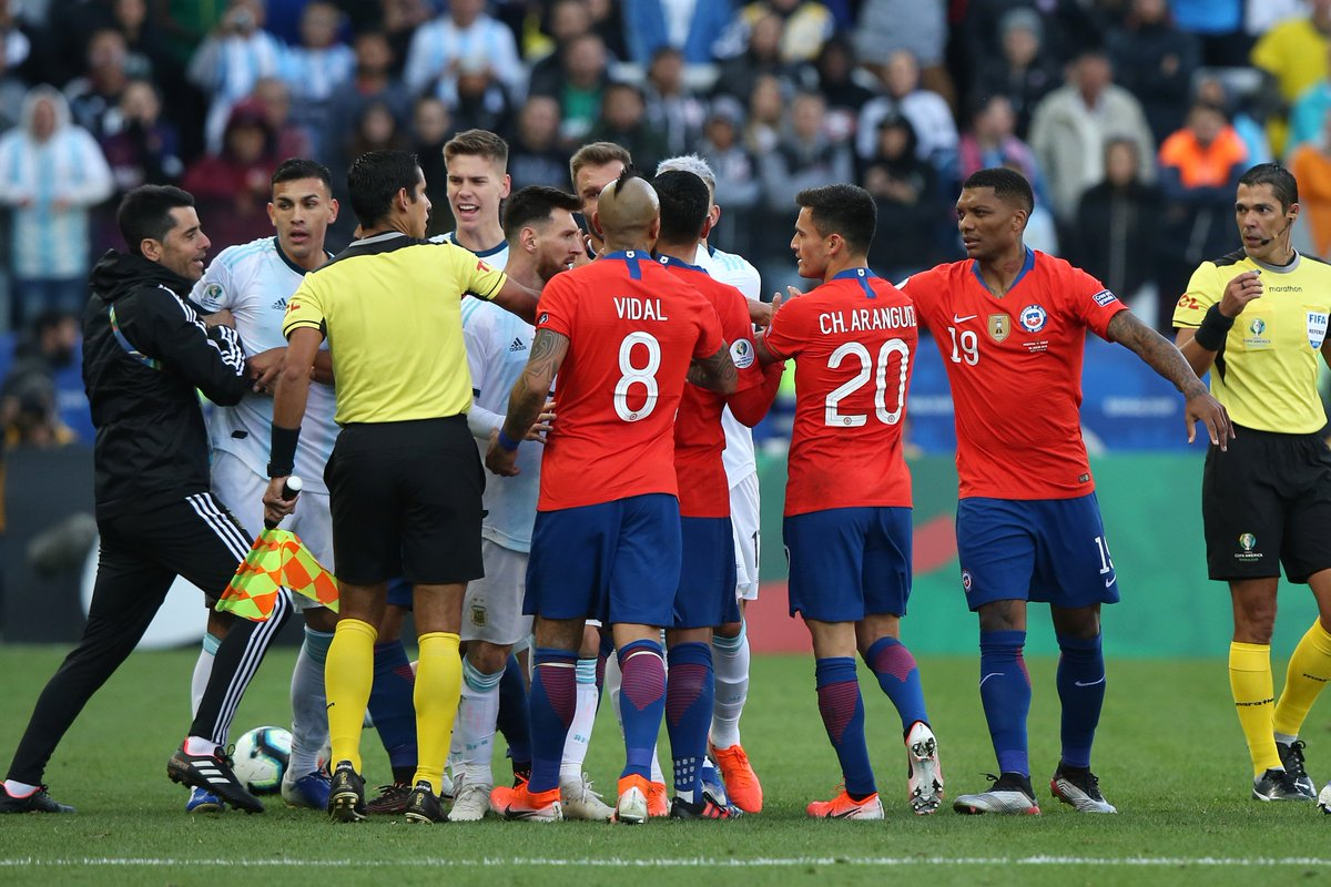 Sportstar On Twitter Red Card For Messi Messi Chases Down A Throughball That Runs Out Of Play Before Engaging In A Shoving Match With Medel Messi Gives Him A Little Nudge And