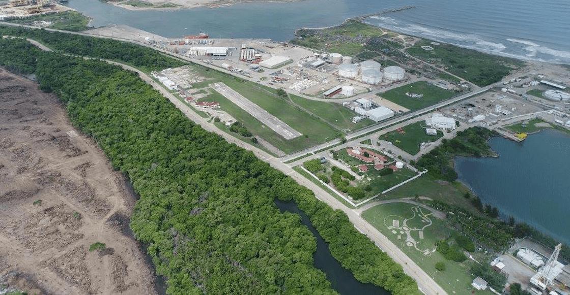 #Principal   Parece que al presidente @lopezobrador_ poco le importa el medio ambiente, ya que para la construcción de la refinería de Dos Bocas se van a talar más de 131 hectáreas de selva. http://bit.ly/2FSbIsn