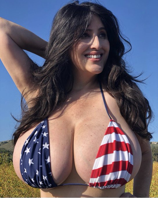 Do I look patriotic? Come see this full set Exclusive in my PATREON site. Btw this top worked overtime