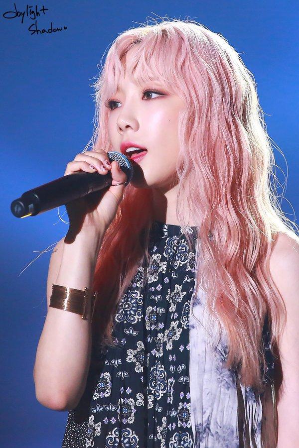 [PHOTO] 190706 Taeyeon - SBS Super Concert  D-27f4lVUAA3EgE?format=jpg&name=900x900