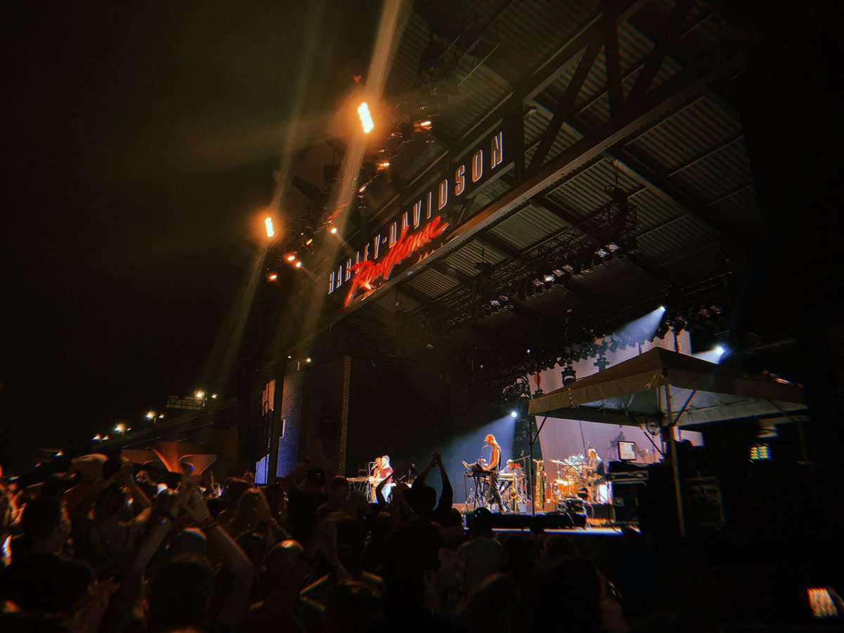From Jersey to Wisconsin, @bleachersmusic never disappoints. @Summerfest – at Harley Davidson Roadhouse