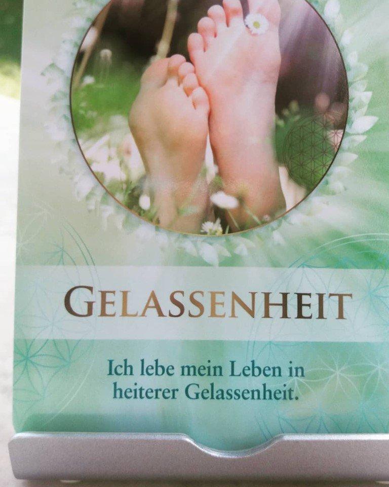 Ich lebe mein Leben in heiterer Gelassenheit.  https://www.facebook.com/AndreaKasperSoSein/photos/a.410349979140963/1316211271888158/?type=3&theater…  #Wertschätzung #mindset #Selbstverantwortung #glücklichsein #Aufmerksamkeit #Selbstliebe #Selbstachtung #LeichtigkeitdesSeins #Motivation #Liebe #Seele #Glück #Hoffnung #Dankbarkeit #universellenGesetzepic.twitter.com/mKvdkYvNCS