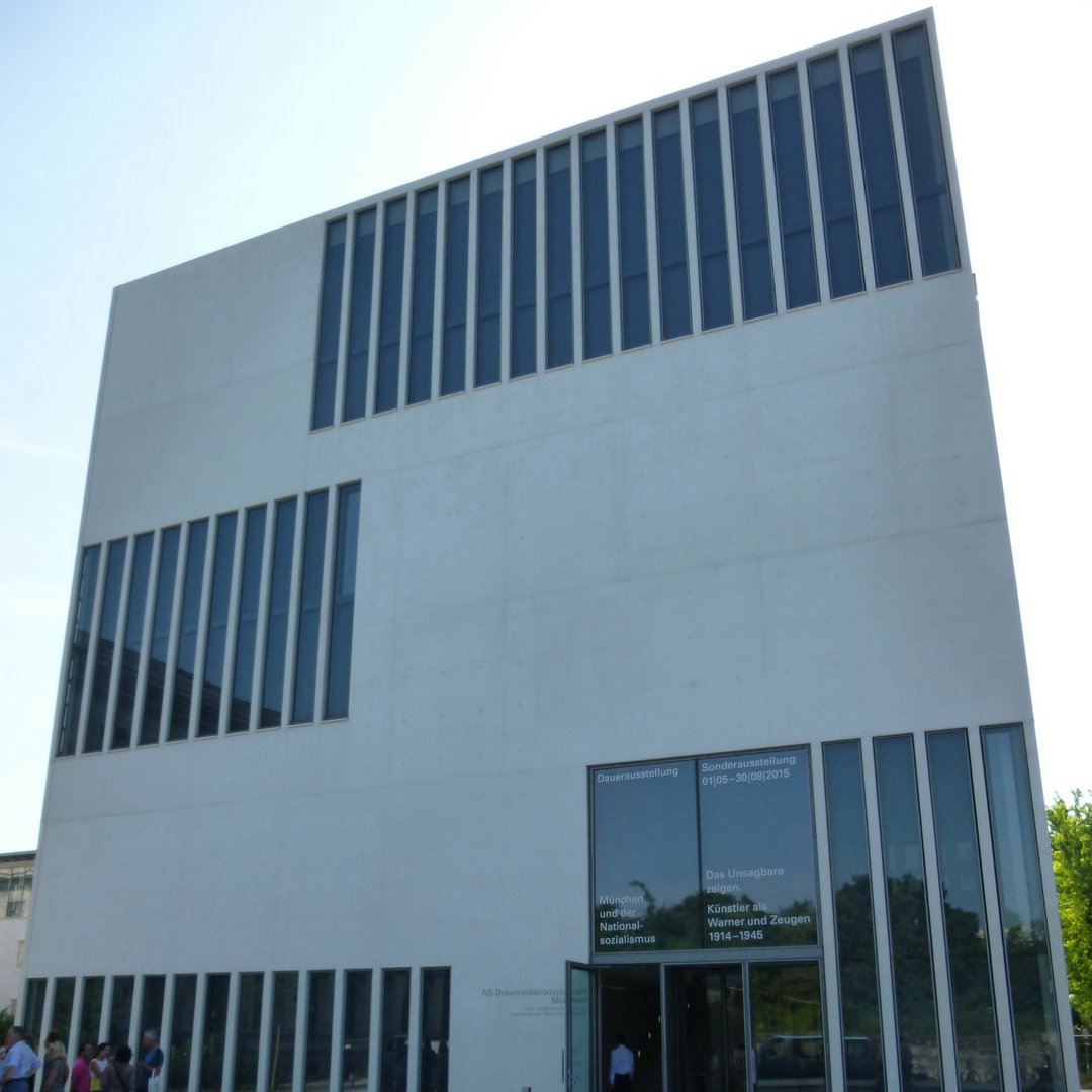 The museum is located near Königsplatz next to Glyptothek and National Collection of Antiques.  http://www. inside-munich.com /    #ww2history #Munich<br>http://pic.twitter.com/C4CSpNdFEE
