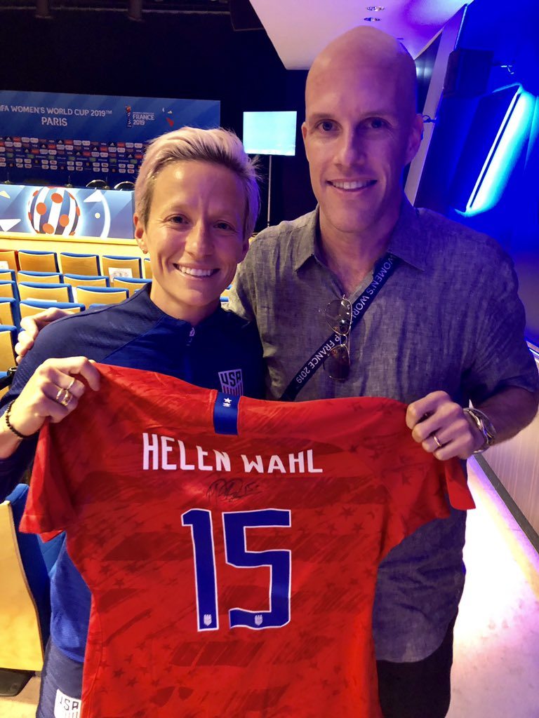 A personal note. On June 10, I lost my mom. Wrote about her love of the USWNT: https://amp.si.com/soccer/2019/06/13/uswnt-helen-wahl-womens-world-cup-rapinoe… Mentioned @mPinoe was her favorite player. On June 28, Megan surprised me with a signed No. 15 shirt. Pretty amazing gesture. We'll bring it to Mom's funeral service next week.