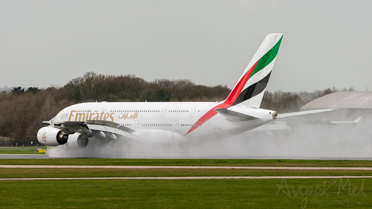 An @emirates @Airbus A388 A6-EDV kicking up some spray as she arrives at @manairport from Dubai March 2019 #avgeek #aviation #Airbus  #WeMakeItFly #A380 #emiratesairline #FlyManchester @AirbusintheUK @a380fanclub