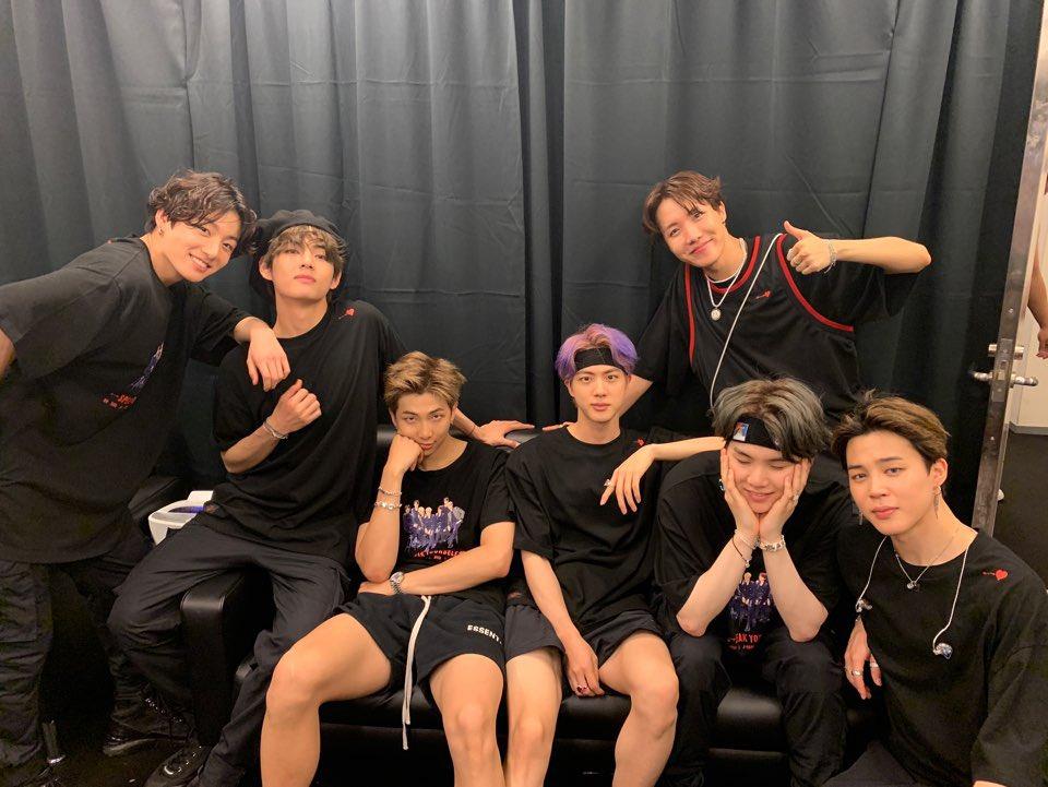#BTS WORLD TOUR 'LOVE YOURSELF: SPEAK YOURSELF' – JAPAN EDITION 2日目の大阪公演が終わりました❗️  7月7日、たくさんのARMYに会えたラッキーな日にしてくれてありがとう🌠 これからもずっと一緒にきれいな空を見れますように🙏🙏💜