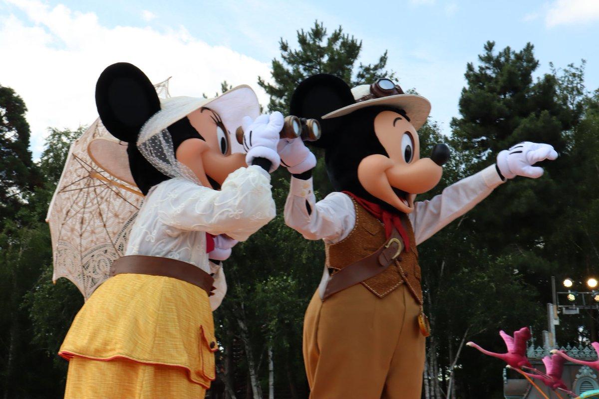 Jungle Book Jive in @DisneylandNL is geweldig. Wat een show! Deze show is nog beter dan Pirates and Princesses! #lionkingjunglefestival #dlp #disneylandparis<br>http://pic.twitter.com/Ve9dyLjkw5