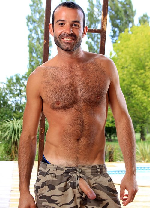 young-hot-and-hairy-men-white-trash-farmers-naked-gorrila