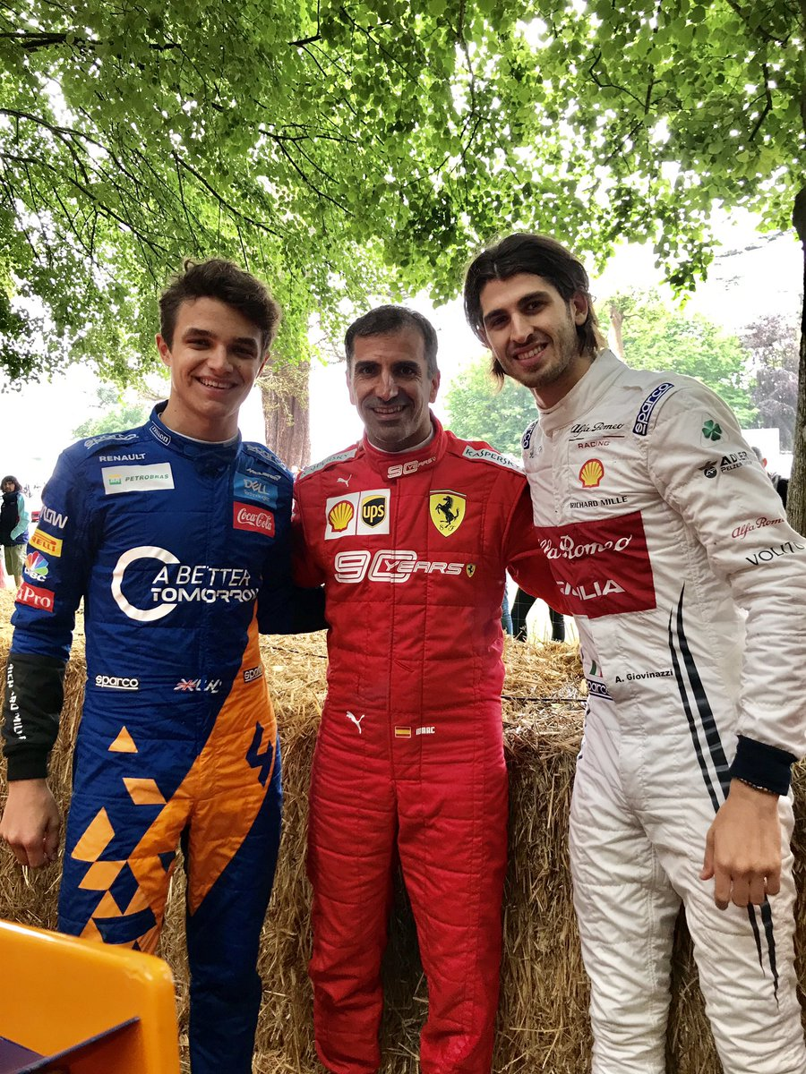 Con i superstar @Anto_Giovinazzi @LandoNorris . Great @f1 drivers today at @festivalofspeed2019 @ferrariraces