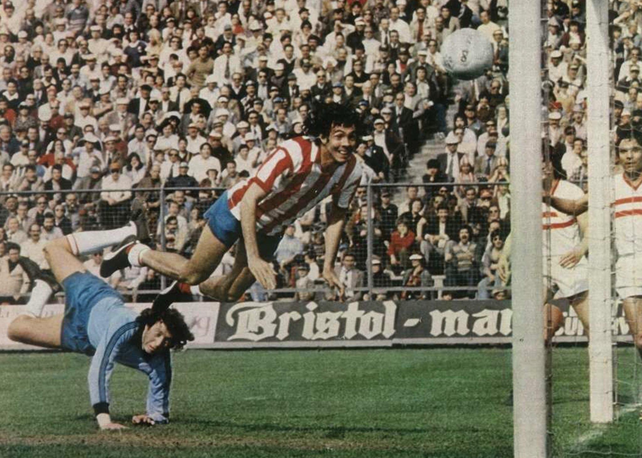 FOTOS HISTORICAS O CHULAS  DE FUTBOL - Página 10 D-4oAU1XoAAcc13?format=jpg&name=4096x4096