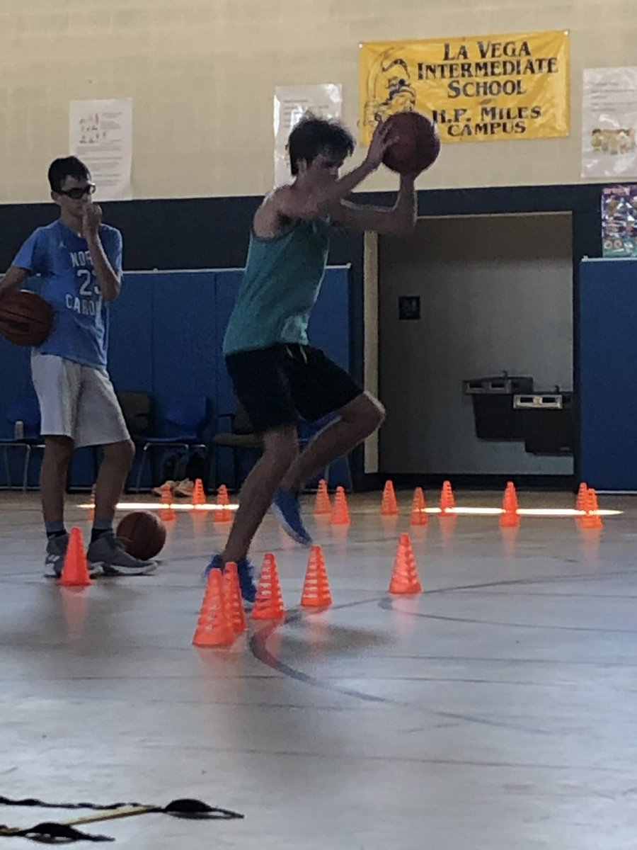 Love watching these 2 put in extra work 💙🏀 @undercoverphil1