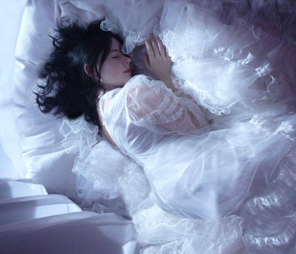 Суши, спящая женщина картинки анимация