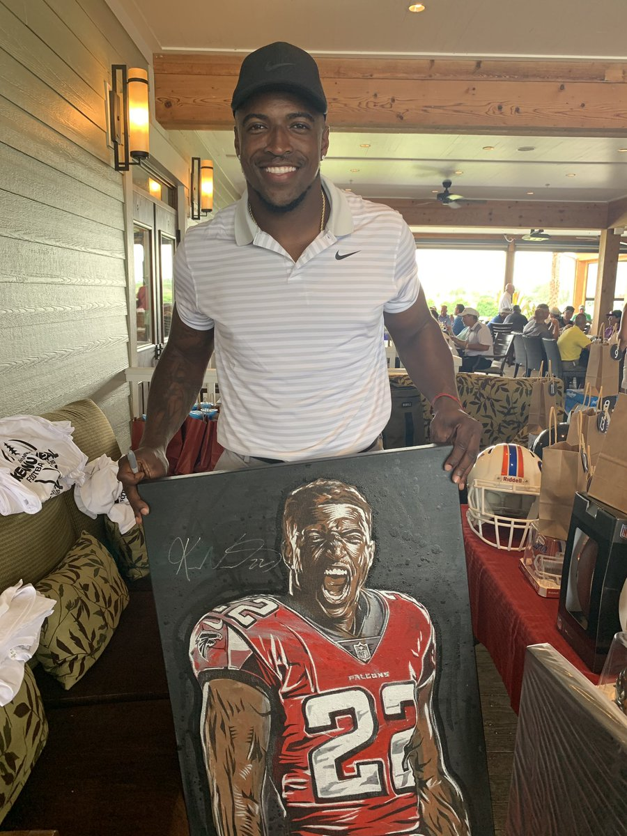 This signed portrait of @Keanu_Neal  just raised a bunch of money for Charity! 🙌🏼