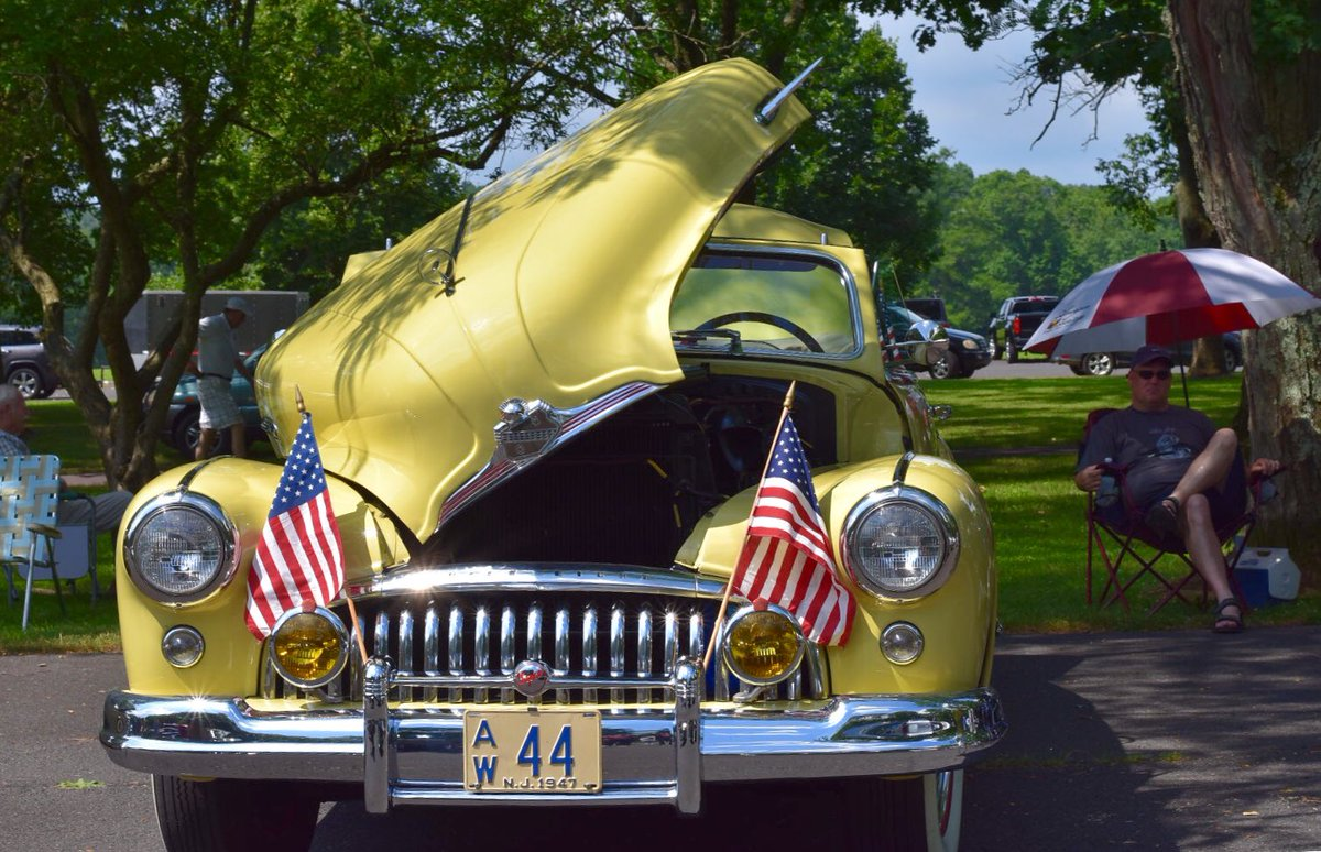 Not knocking any of the other car shows in #buckscounty, but on Saturday we attended the best one YET. #RedcoatsvsRebels at Washington Xing Park. It's second year- can't wait to see this show grow! 🇺🇸 🏴󠁧󠁢󠁥󠁮󠁧󠁿 🇫🇷