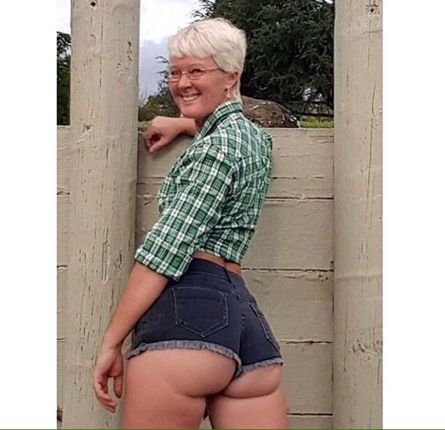 Ass pics grandma Free Granny