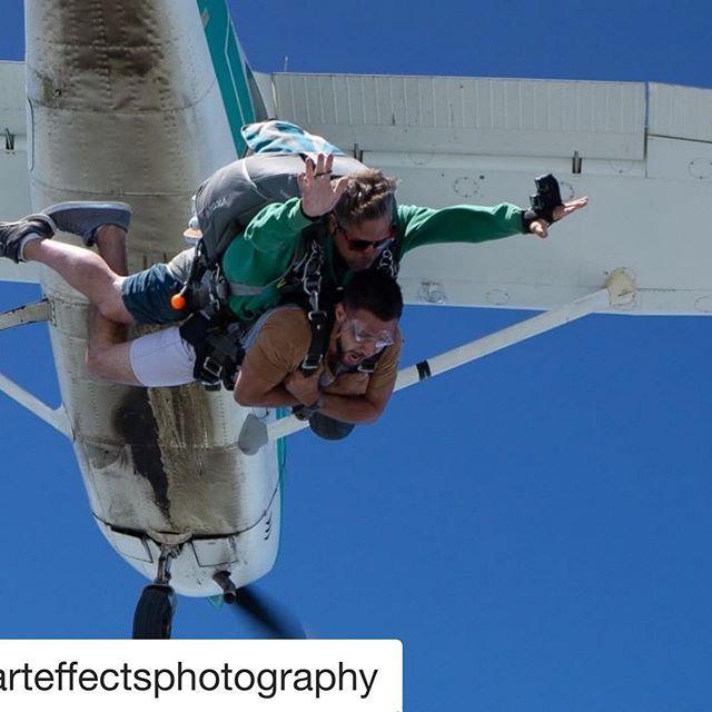 #Repost @harteffectsphotography with @kcatmcdown ・・・ @skydivegan #sky #skydiving #tandemskydive #cessna182 #canada #canada_gram #cameraflyer #skydivinggram #skydivingchick #actionshot #sonyalpha #sonyalphagang #freefall #skydivingpics  #skydivingphot… https://www.instagram.com/p/BzoijKIJsjz/