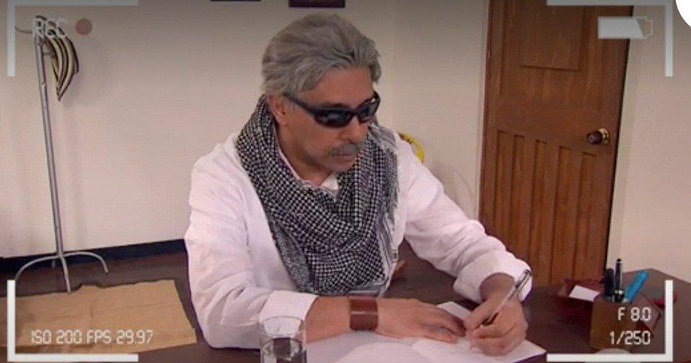 "#VozPopuliTeVe ""Querido Juanma"", así inicia emotiva carta de Santrich antes de irse http://bit.ly/2L6JWws"