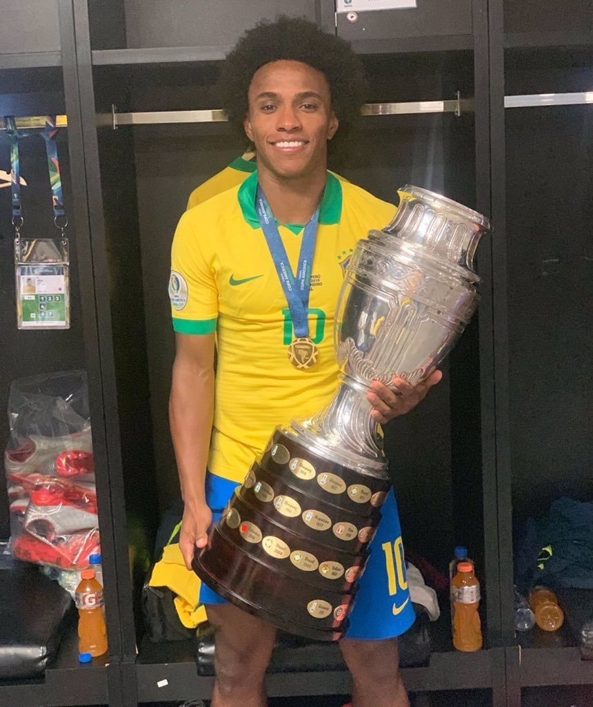 Congratulation @willianborges88 for the winning #CopaAmerica and now, its your turn @cpulisic_10 lets bring the thropy #CONCACAFGoldCup