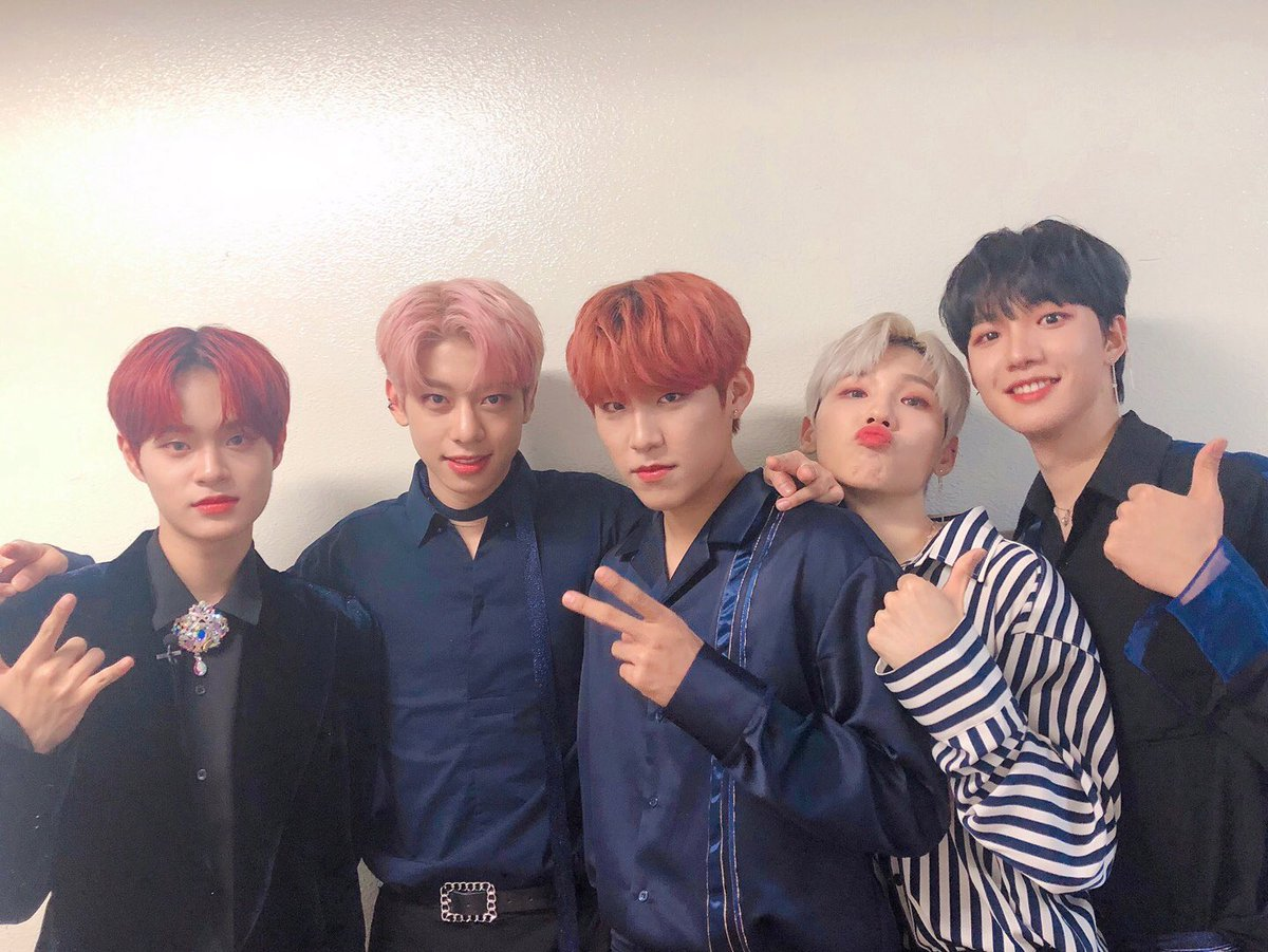 3 weeks to #AB6IXinSG!!!✨ NO CHEATING: RT & reply us below with your last saved picture/gif/video of #AB6IX (or any of the member)! 😍😍😍 Meet Youngmin, Woong, Donghyun, Woojin & Daehwi this 27 July!! 🎫 : apactix.com/events/detail/… 🚨 : bit.ly/AB6IXlightstick (pic cr: @AB6IX)