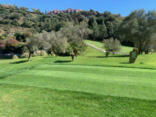Views of #LosArqueros #golfcourse. Let´s start the week  booking some #greenfees and improve our game. Happy week an have fun on your #golfround.  #golfing #playgolf #golfgirls #golffun #Malaga #CostadelSOl #CostadelGolf #Banahavis #Marbella #Summer #Verano