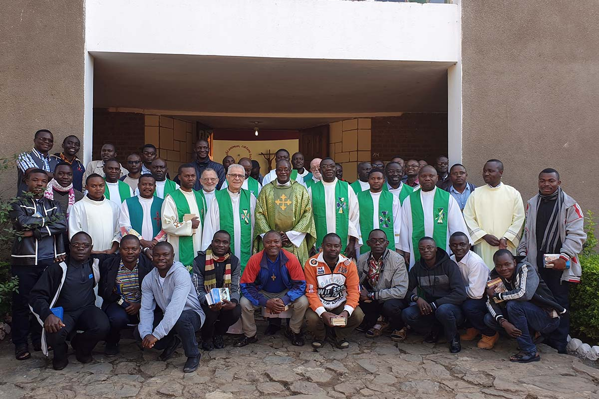 D.R. Congo - Spiritual retreat for Salesians in Central Africa https://t.co/9VhHdLbybJ https://t.co/jGDDwtWIFS