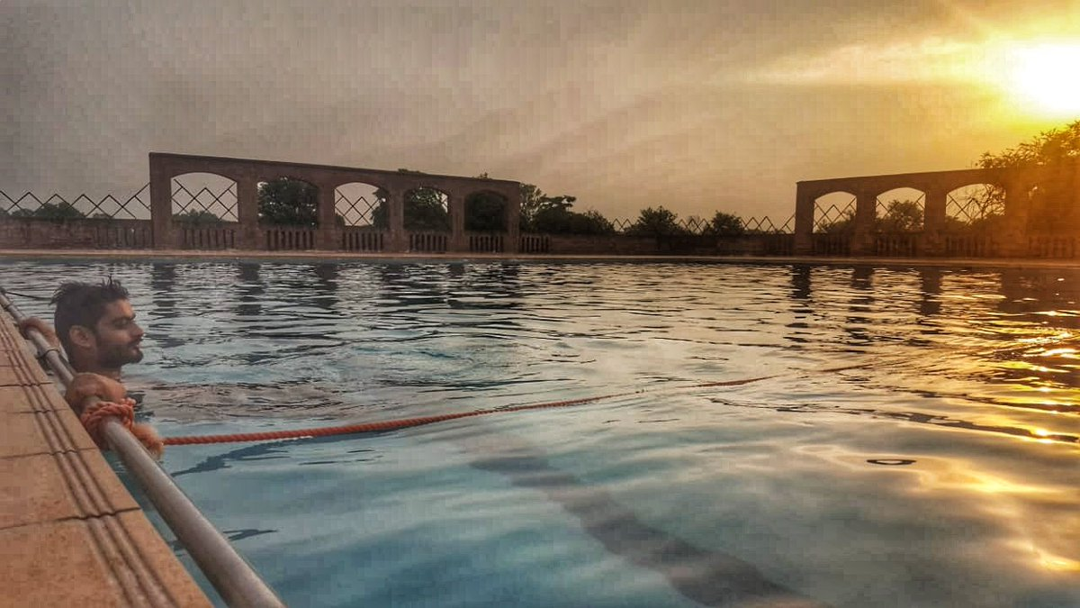 Only four of us got escaped, explored the chand bagh and found this wonderful swimming pool..and look what beautiful morning sight we got after awakening all the night.. #18thYLC #ylc2019 #iAMamplify #lifetime_memories