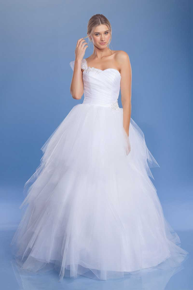 Hannah Mccann A Twitter People Love Brides Why Not Make